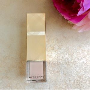 Burberry Fresh Glow Luminous Fluid Base No. 01